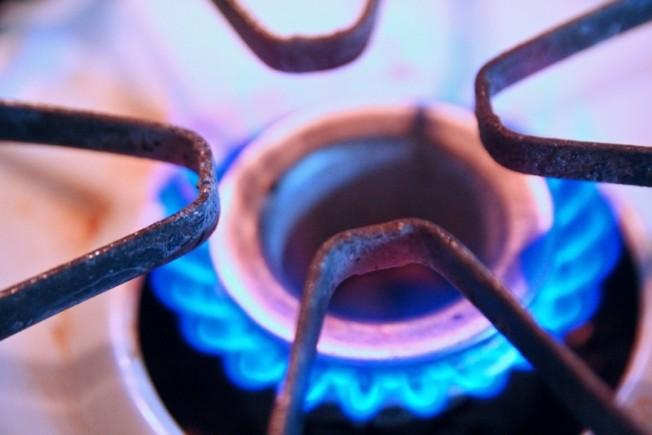 gas-stove-burner-12-28-09-dec282009_1389